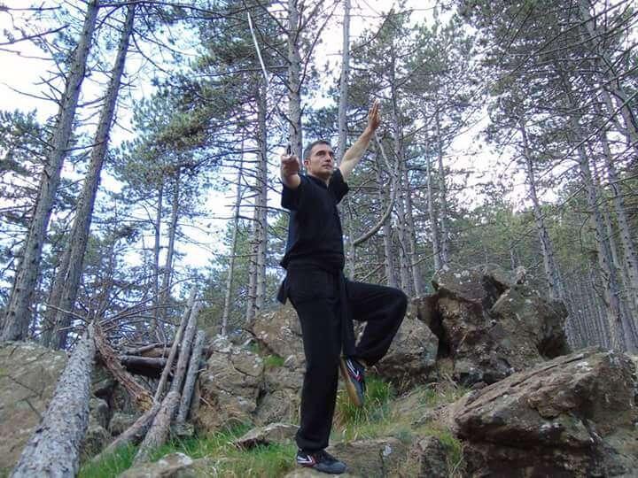 Jiaolian Kung Fu Con spada